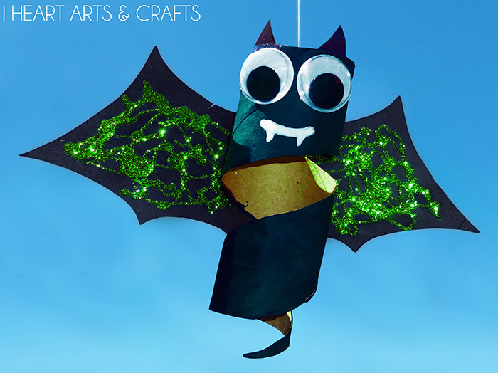 Cardboard Tube Spinning Bat Halloween Craft