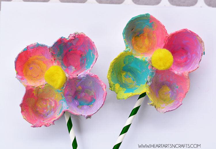 Egg carton flowers i heart arts n crafts Egg carton flowers ideas
