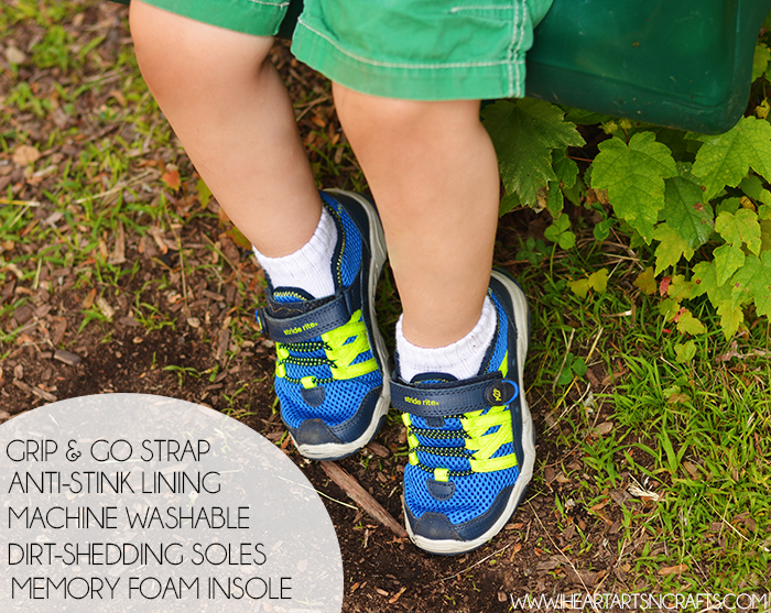 Fun and Free Outdoor Activities For Toddlers + Stride Rite Coupon!