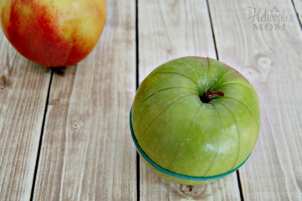 Heres how to keep sliced apples from turning brown after youve cut into them. Lunchbox Hacks For Back To School