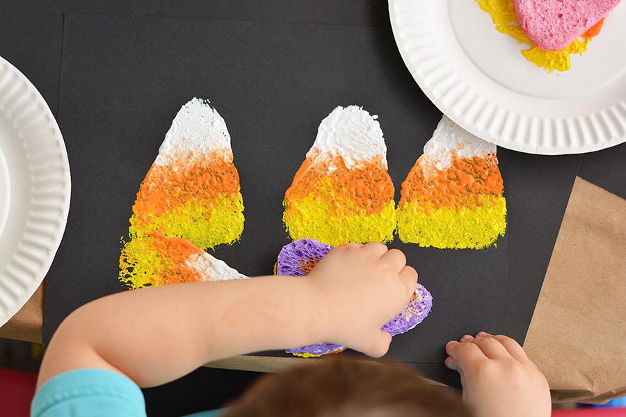 sponge-painting-halloween-activity