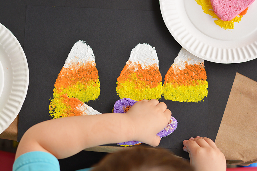 sponge-painting-halloween-activity