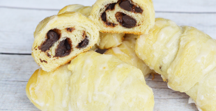 Chocolate Chip Cookie Roll Ups